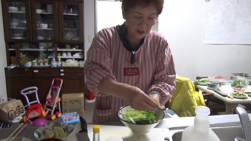 牡蠣のうまみを味わう簡単カキ料理=カキの殻付き風味とカキのバター炒め